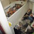 """Water usato come cestino dei rifiuti: """"casa degli orrori"""" a Liverpool8"""