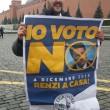 Matteo Salvini srotola striscione per il No a Mosca e rischia arresto03