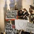 "Donald Trump ""Not my president"": proteste, maschere bruciate, arresti FOTO3"