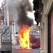 Bus a due piani prende fuoco a Londra3