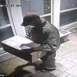 Rapinatore travestito da corriere Ubs, entra in casa e picchia proprietario6