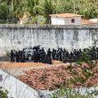 YOUTUBE Brasile, rivolta in due carceri adiacenti: 30 morti, tre decapitati FOTO 2