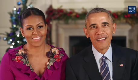 Usa: auguri di Obama e Michelle, omaggio a coraggio truppe