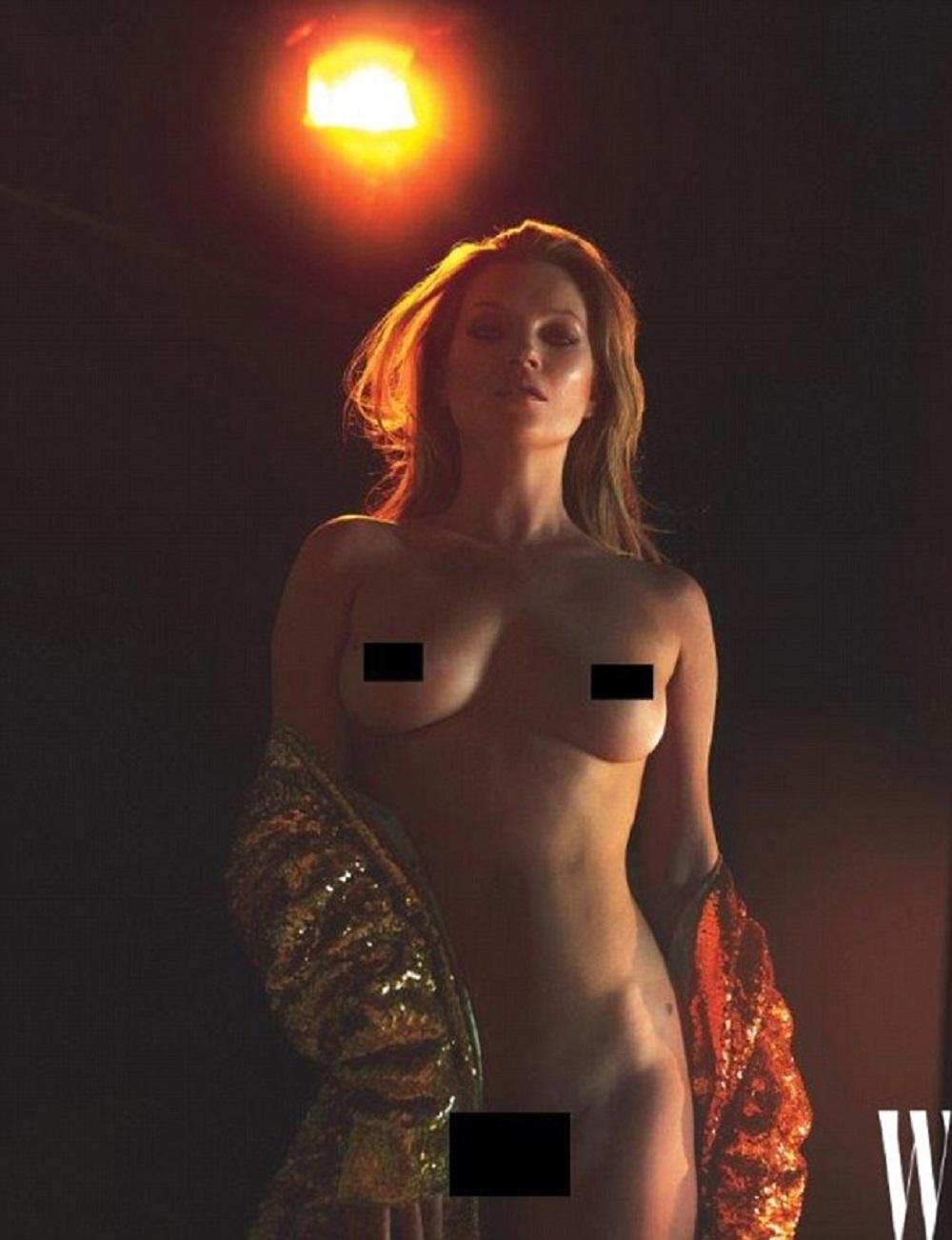 Kate Moss senza veli a 43 anni su W Magazine44