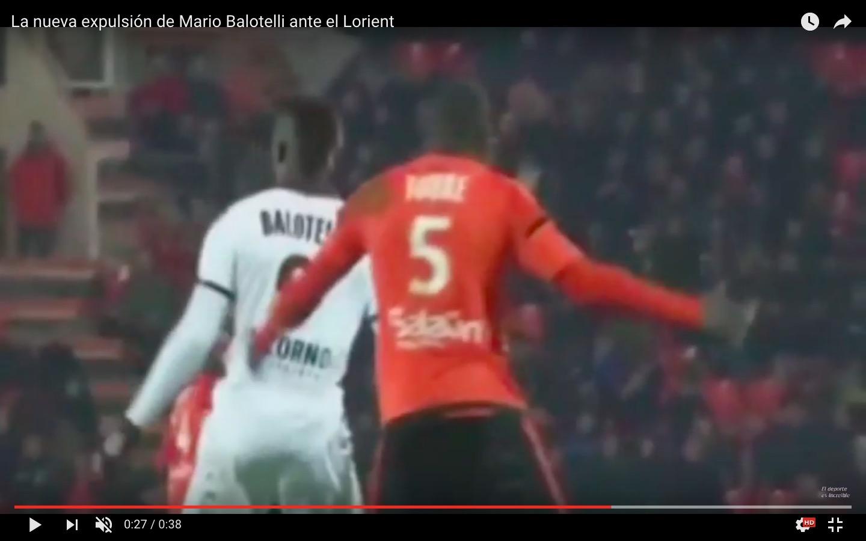 YouTube, Mario Balotelli espulso per 'vaffa' ad arbitro