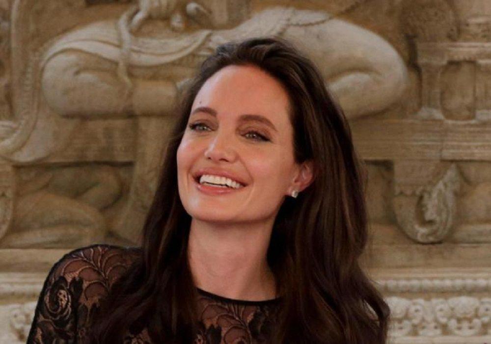 Angelina Jolie regista in Cambogia0