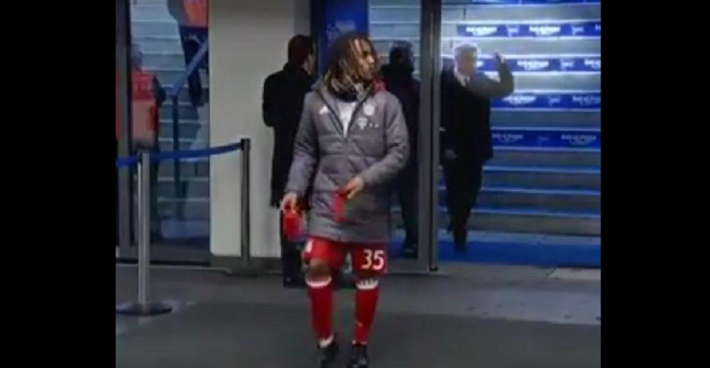 """YOUTUBE Ancelotti fa dito medio a tifosi Hertha Berlino: """"Mi hanno sputato"""""""