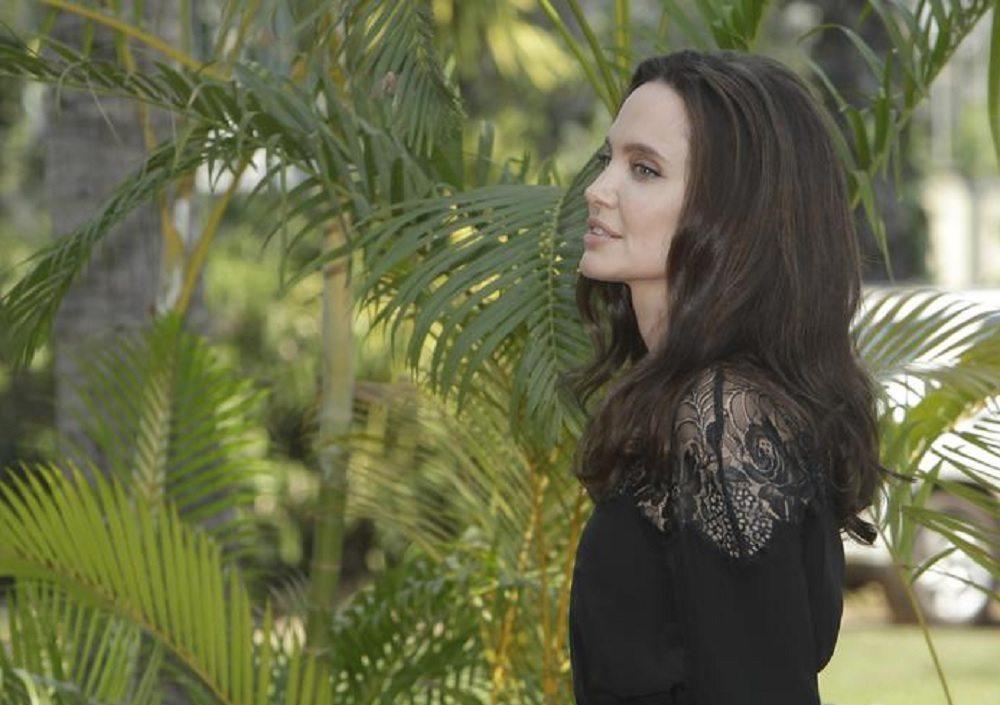 Angelina Jolie, presentato in Cambogia film su orrore Khmer rossi TRAILER