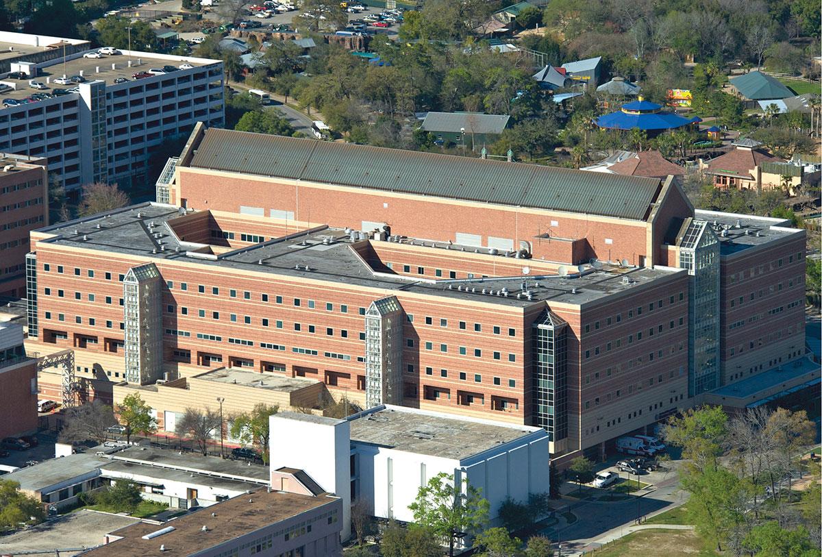 Houston, sparatoria in ospedale: pazienti e medici evacuati
