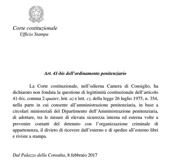 """41 bis, Corte Costituzionale: """"legittimo"""" il divieto di ricevere libri e giornali"""