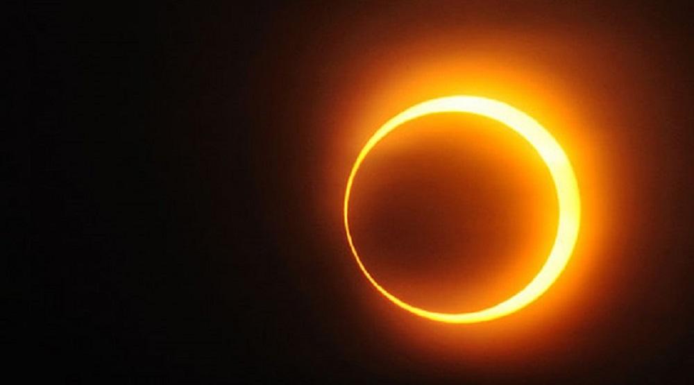 Eclissi solare, nel cielo un anello di fuoco: quando e dove