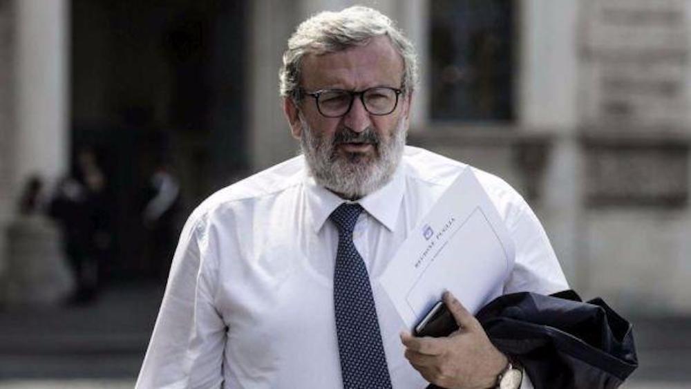 Consip, gli sms di Luca Lotti a Michele Emiliano dai pm mercoledì