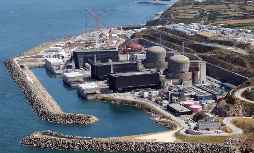 Francia, esplosione nella centrale nucleare di Flamanville
