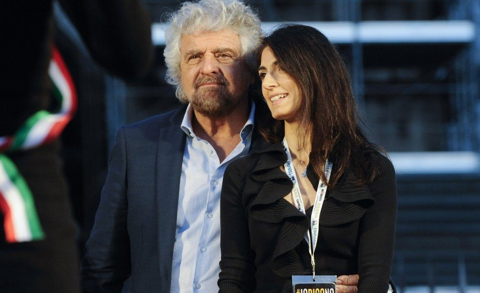 Stadio Roma, Beppe Grillo dice referendum. M5S butta la palla in tribuna