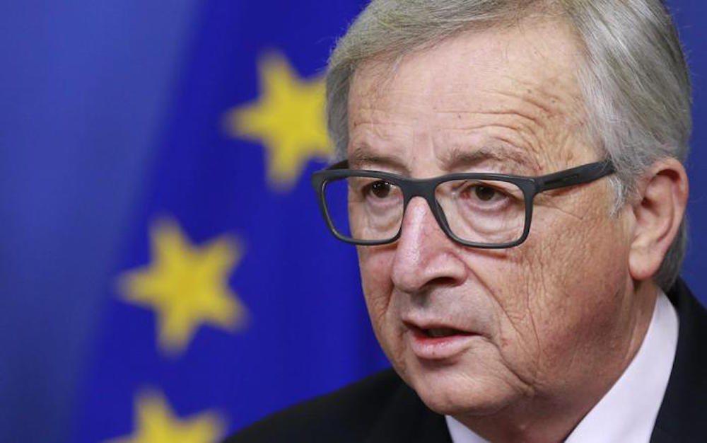 """Ue, Jean-Claude Juncker """"pronto a dimettersi"""". Ma Bruxelles smentisce"""