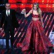 Sanremo, Diletta Leotta arriva sul palco. E Carlo Conti guarda5