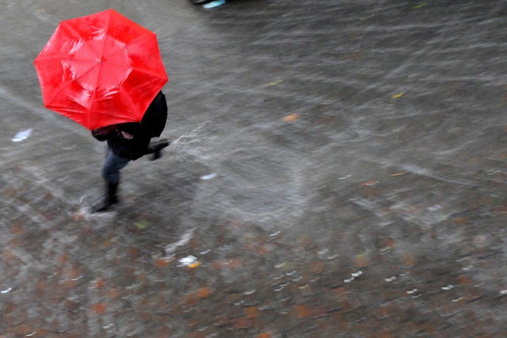 Meteo, torna il maltempo: nubi da lunedì, forti piogge martedì...