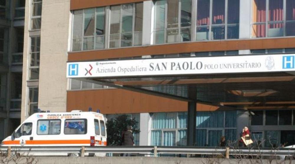 Meningite a Milano, gravissima una prof di 55 anni: profilassi per 9 classi