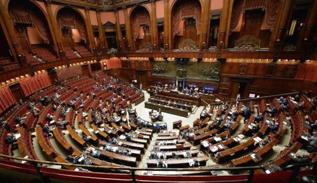 Vitalizi a rischio? Un piano per salvare le pensioni di 600 parlamentari