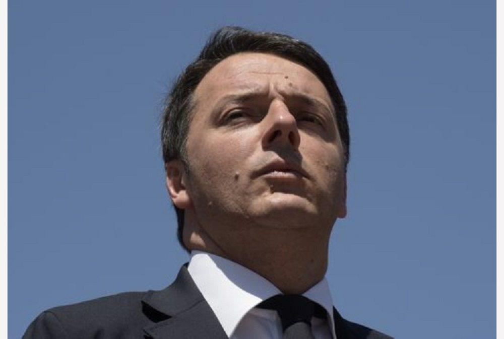 """Renzi, appello alla minoranza: """"Non andatevene, evitiamo scissioni"""""""