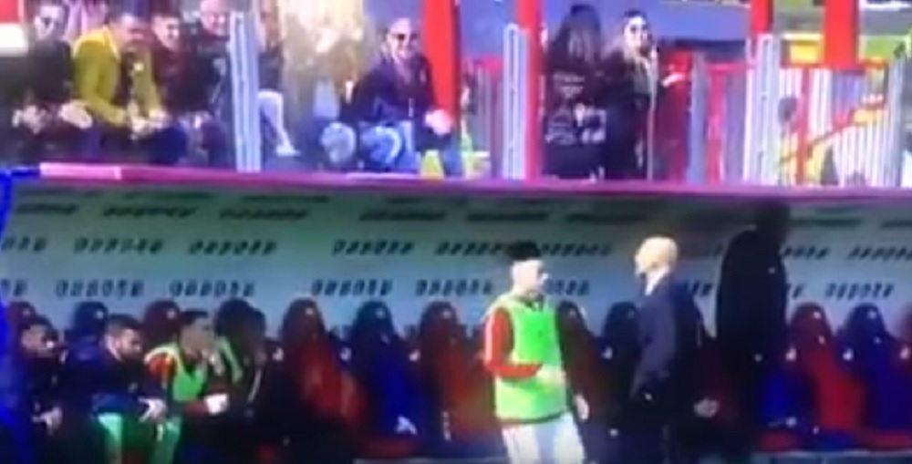 YOUTUBE Spalletti fissa il tifoso che lo insulta durante Crotone-Roma