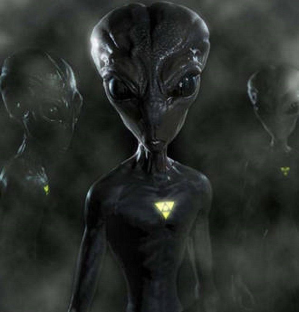 Ufo e alieni, da Einstein a Jung: i personaggi illustri del passato che ci credevano