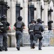 Terrorismo attacca a Londra, auto sulla folla e spari fuori dal Parlamento7