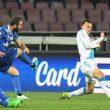 Higuain segna al Napoli e indica la tribuna, polemica con De Laurentiis 02