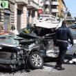 L'auto sfasciata della vittima