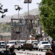 Afghanistan, autobomba a Kabul nel quartiere delle ambasciate: almeno 50 vittime 01