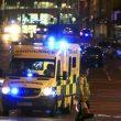 Attentato Manchester, kamikaze fa strage di adolescenti al concerto di Ariana Grande. Bomba di chiodi10