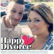 Selfie divorce, la nuova moda è autoscatto felice davanti al tribunale02