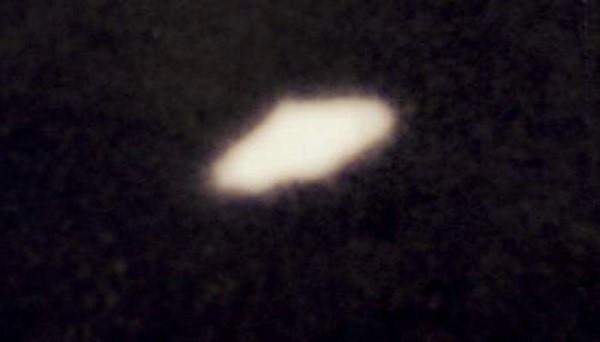Ufo e alieni: dossier segreto britannico rilasciato a giugno? Mistero su pubblicazione