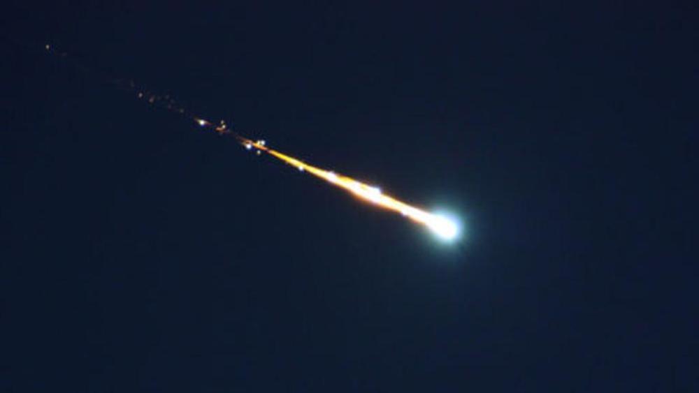Sfera di luce in cielo il 30 maggio: ecco cos'era