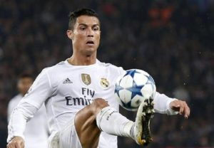 Cristiano Ronaldo, pre accordo con il Psg: al Real Madrid offerta da 250 milioni