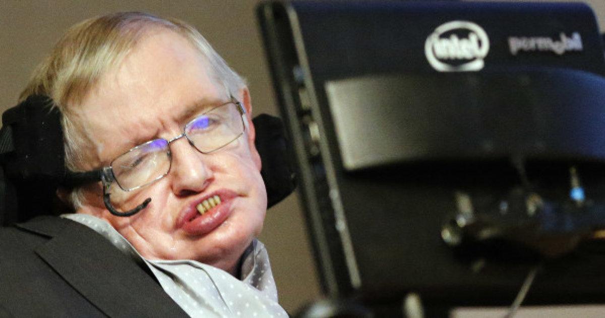 """Stephen Hawking: """"Uomo dovrà lasciare la Terra entro 200 anni al massimo"""""""