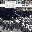 Amburgo, scontri tra manifestanti anti-G20 e polizia 01