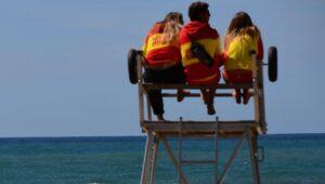 Palinuro, bagnino flirta con una turista: multato dalla Guardia costiera