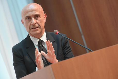 Il popolo ex Pci e Dc non pensa come i burocrati Pd: profughi, Giuliani, donne...