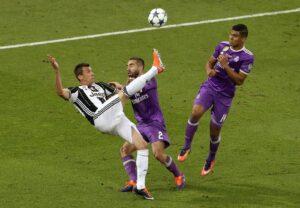 """Mario Mandzukic: """"Bonucci-Dani Alves? Mai detto nulla contro di loro"""""""