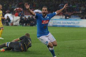 """Napoli, avvocato club: """"Higuain paghi le spese processuali"""""""
