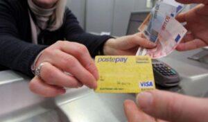 """""""PostePay bloccata"""", la email che ti incastra: ecco l'ultimo tentativo di phishing"""