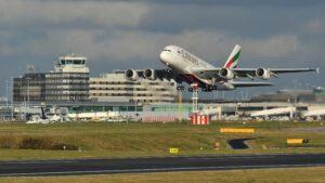 Pacco sospetto: sfollato l'aeroporto di Manchester