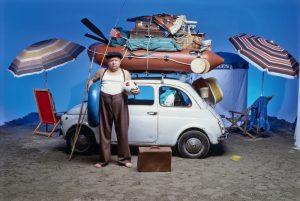 """Auto carica di bagagli alla Fantozzi: 338 euro di multa e ritiro patente (fino a sistemazione """"umana"""")"""