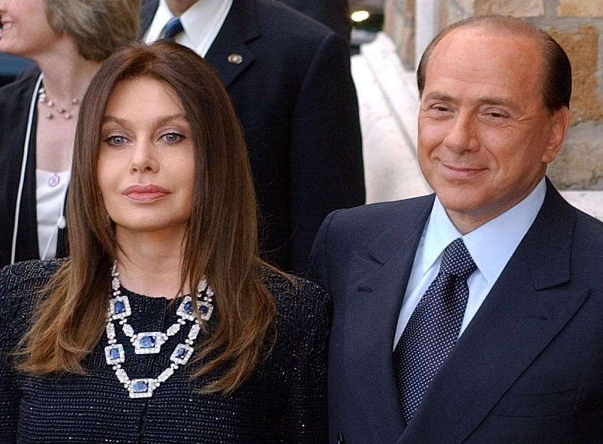 Silvio Berlusconi e Veronica Lario, telefonata di fuoco sul bacio di Luigi