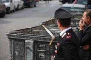 """Roma, la bimba fa i capricci e il nonno la butta nel cassonetto: """"Volevo darle una lezione"""""""