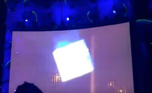 YOUTUBE Green Day, acrobata precipita e muore durante il concerto VIDEO