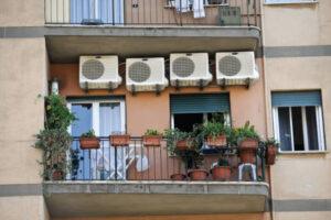 Black out, in Italia torna l'incubo: caldo record, poca acqua e troppi condizionatori