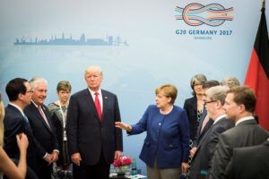 G20 Amburgo, accordo su libero commercio e intesa sul clima senza Usa. E Trump loda la Merkel