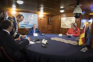 """Gentiloni incontra Merkel e Macron: """"Sui migranti progressi ma non è abbastanza"""""""